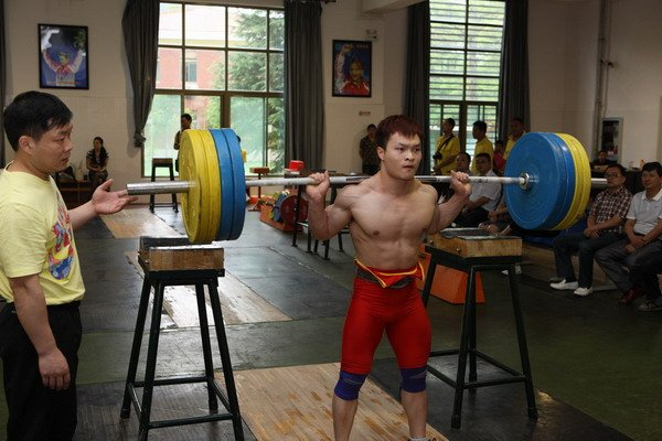 L'incredibile Squat di Tian Tao. Una possibile analisi.