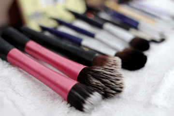 Ladies, How Often Do You Clean Your Brushes? Here's How To Do It