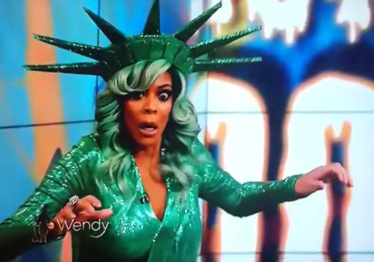 Wendy Williams passes out on stage
