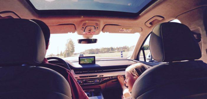 Autoreisi ABC: 10 mängu, mida lastega autos mängida