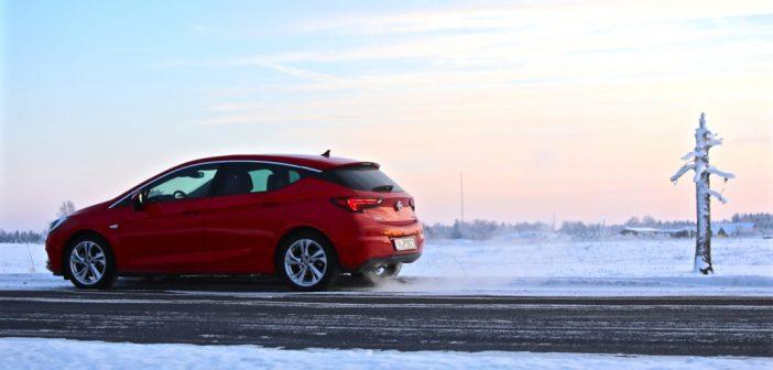 Talvise autosõidu ABC: mis on must jää, kuidas see tekib ja kuidas seda ära tunda?