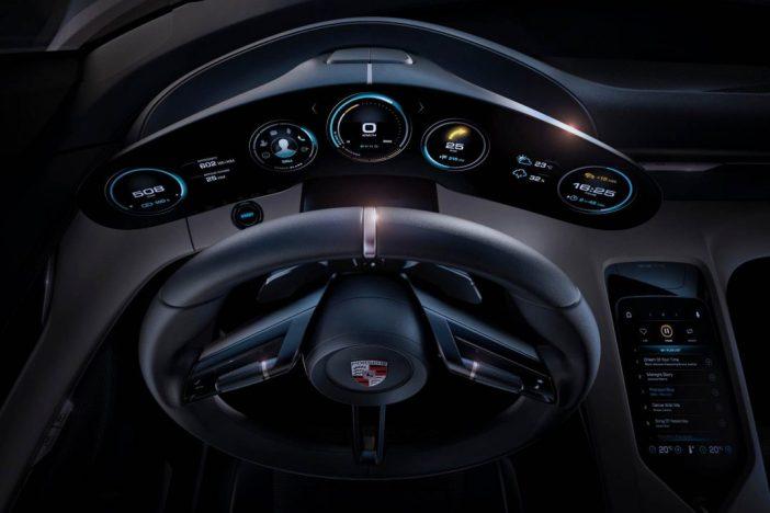 Porsche omanik tahab sõita Mission E digipaneel