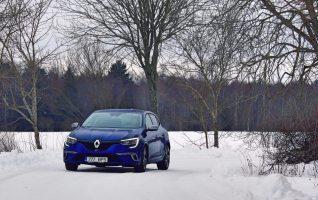 auto tuled Talv, Renault, Megane GT, Sinine