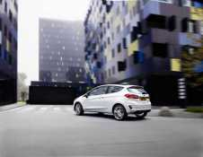 ford_fiesta2016_vignale_34_rear_driving_10-low