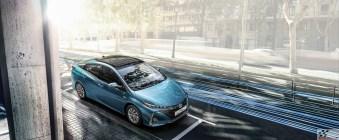 2017-prius-plug-in-hybrid-ext-21