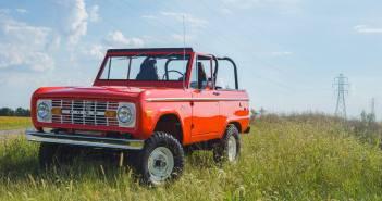 Legendaarne Ford Bronco saab järje, ent uusklassikuna on see juba saadaval!