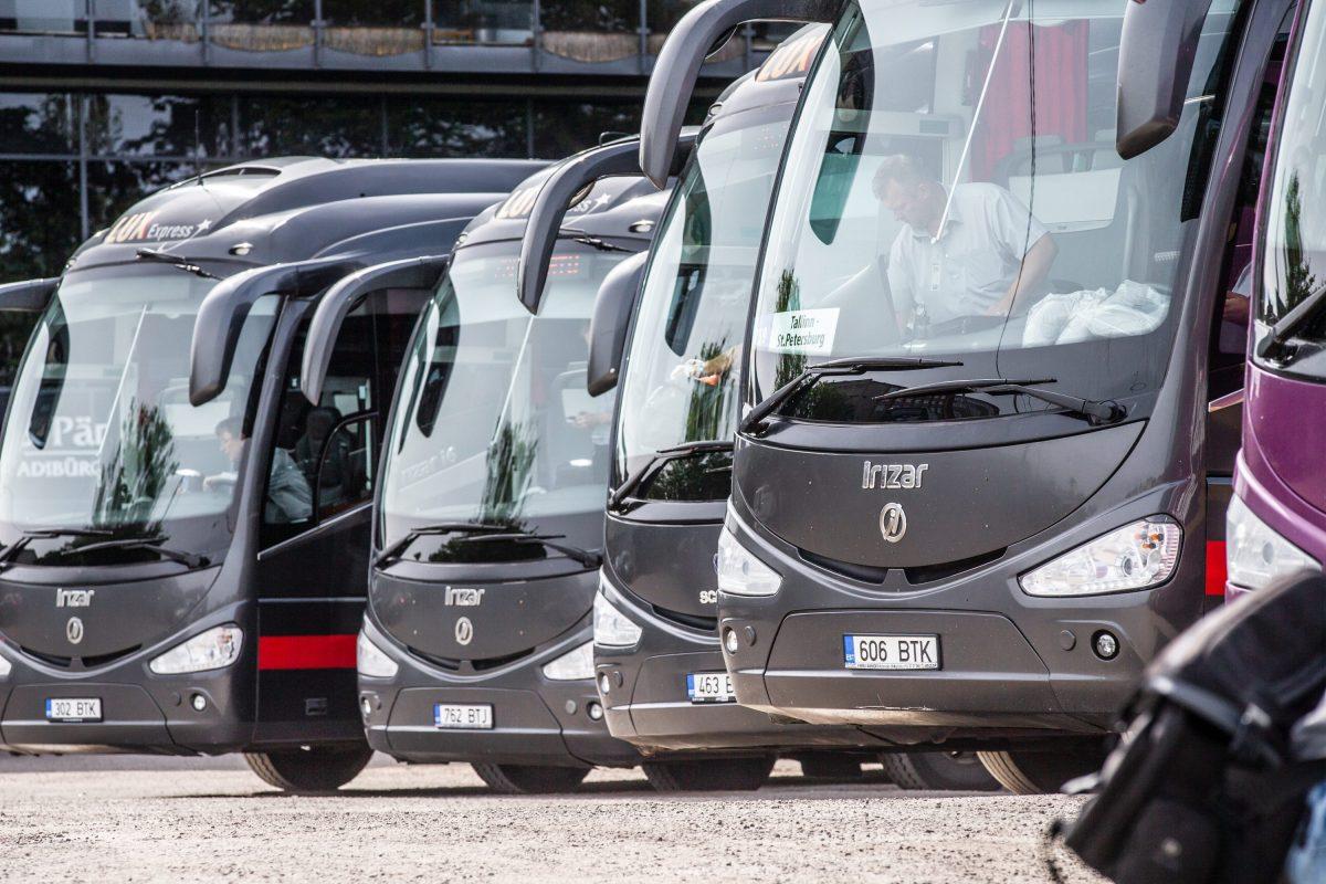 """Lux Express vallandas päevapealt """"jääknähtudega"""" rooli istunud bussijuhi"""