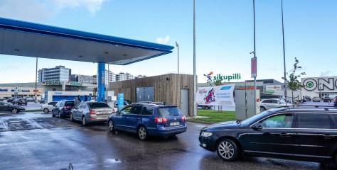 GALERII: Tunnike tasuta CNG-tankimise võimalust pani tanklad kihama