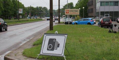 Puust ja punaseks: kas mobiilsest kiiruskaamerast teavitav osutusmärk on kohustuslik?