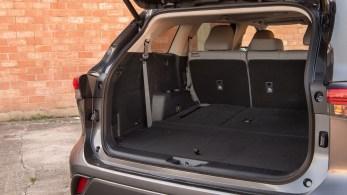 2020-Toyota-Highlander-Platinum-AWD-interior-13