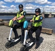 Pärnu politseinikud patrullivad sel suvel ka elektritõuksidega