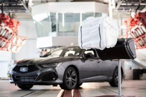 Acura TLX turvapadi