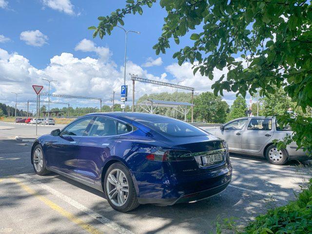 """Tesla-Volvo ehk miks on taustakontroll mõnikord täiesti legaalne """"kiiks"""""""