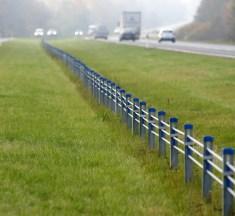 Lugeja foto: kas Kirdalu-Tagadi teelõigu keskpiire on jalakäijale ohtlik?