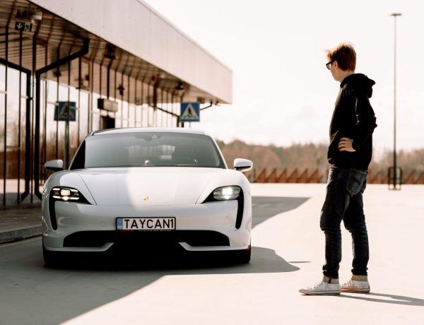 "VIDEO: Porsche Taycan Turbo – kas elektrilisel sportautol on ""hing""?"