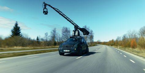 """VIDEO: """"Tema nimi on… Boris"""" ehk ML63 AMG kaameraauto"""