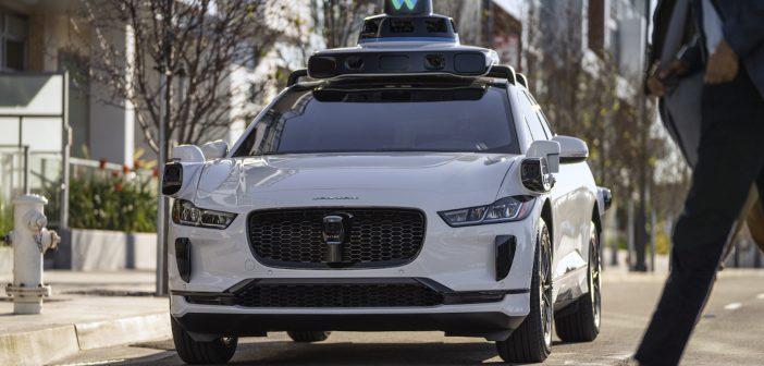 """Waymo: Tesla """"autopiloot"""" ei saavuta kunagi autonoomsust"""