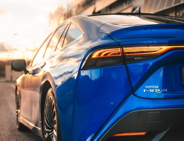 Maailmarekord – Toyota Mirai sõitis ühe tankimisega 1360 km