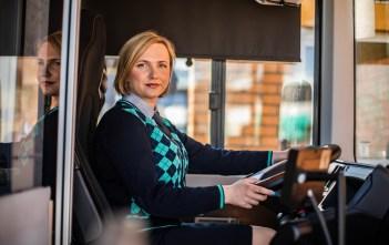 Naised õpivad ühissõidukijuhtideks