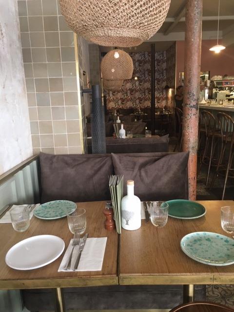 table de restaurant en chêne