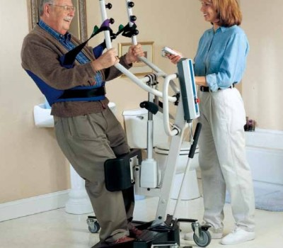 Invacare Reliant Sit to Stand Lift Lifestyle shot for Website