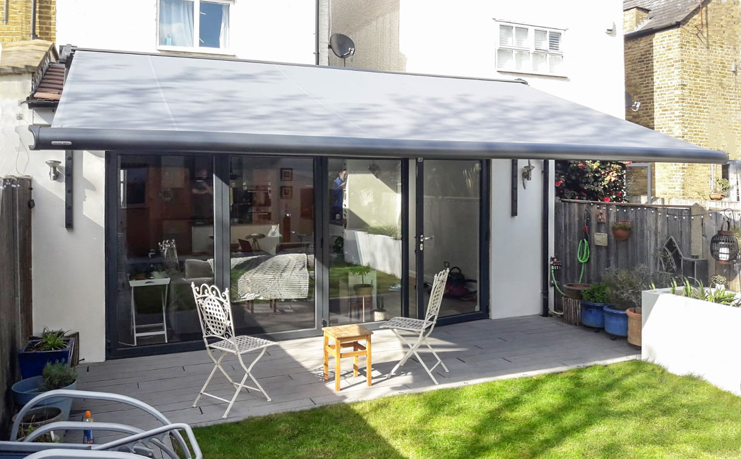 markilux 990 awning installed in