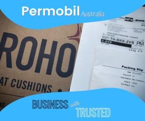 ภาพ หน้าปก กล่องใส่เบาะ ROHO, packing slip และชื่อ Permobil Australia / business with trusted