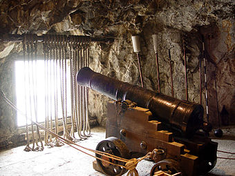 One of the many guns and embrasures within the Great Siege Tunnels.