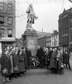 Benjamin Franklin Statue - 1927