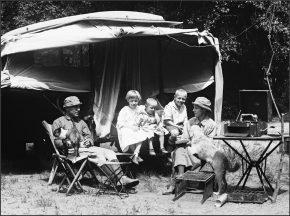 Family Car Camping, Harris & Ewing, photographer between 1915 and 1923