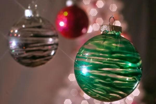 Laquered Christmas Ornaments - DIY - Nail polish