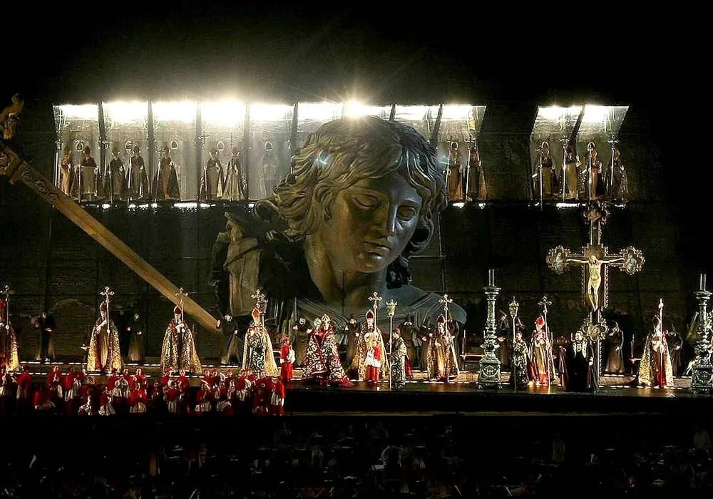 Evento Douglas & Guerlain all'Arena di Verona (1 settembre 2012) durante la rappresentazione della Tosca di Puccini.