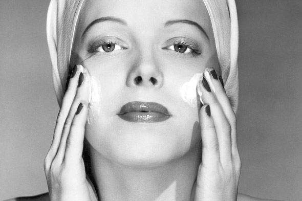 vintage-woman-applying-cold-cream