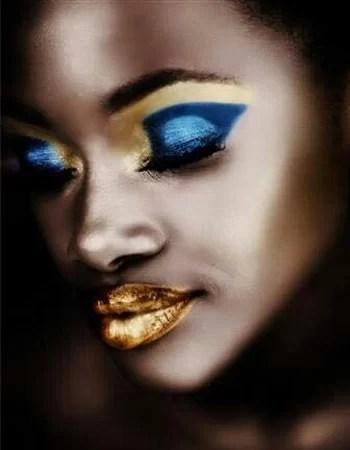 Makeup per capodanno blu e oro metallizzato