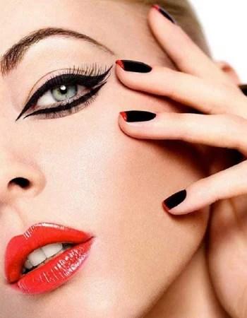Makeup per capodanno cat eye e rossetto rosso