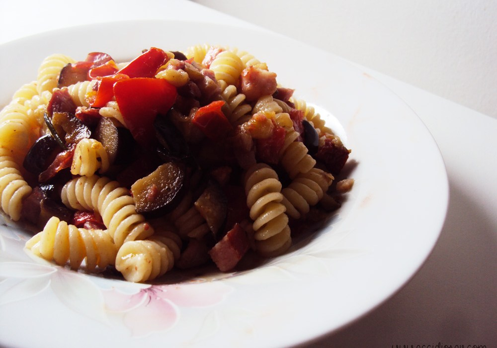 pasta amatriciana con melanzane ricetta accidiosav 2