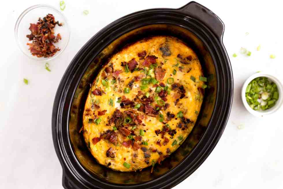 slow-cooker-bacon-egg-hashbrown-casserole-2