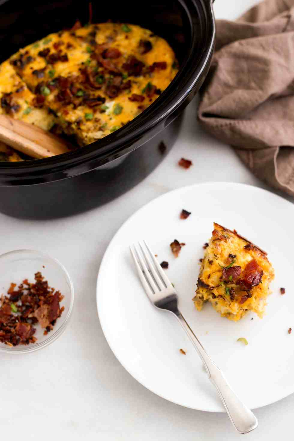 slow-cooker-bacon-egg-hashbrown-casserole-6