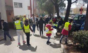 Les enfants participe au grand nettoyage à Vitrolles