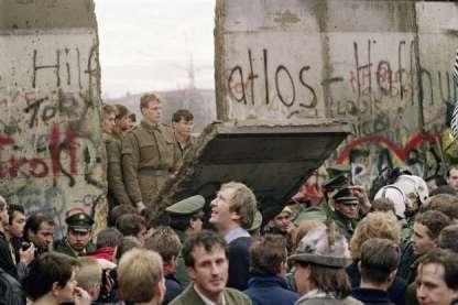 29 anos-Muro de Berlim-ACEGIS