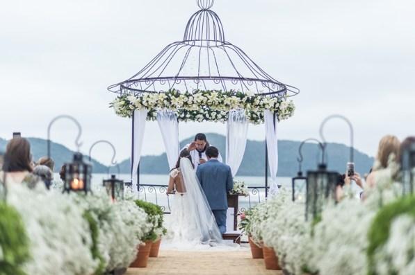 cerimonia-de-casamento-praia-paloma-tocci-e-felipe-maricndi-1