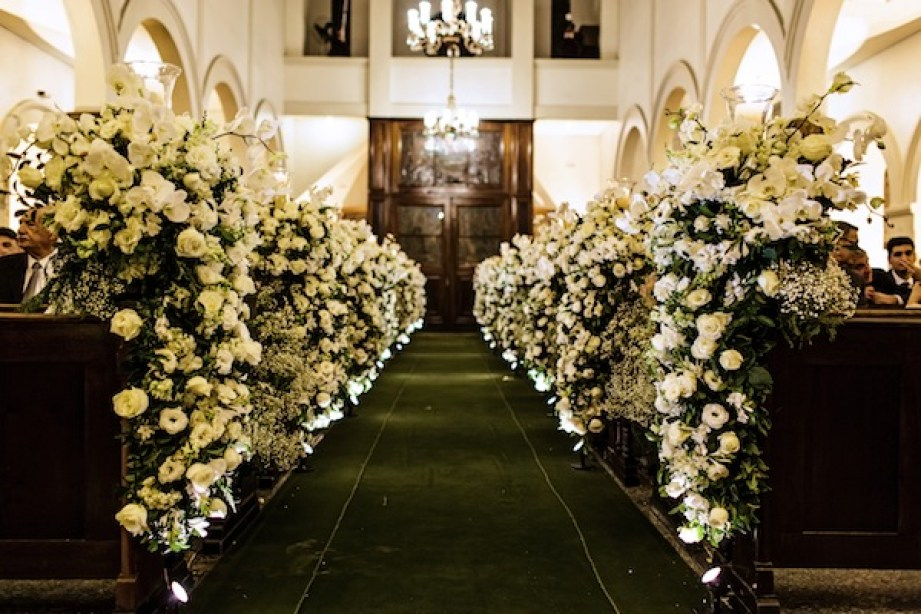 Flores na decoração de Igreja