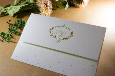 pérola no convite de casamento