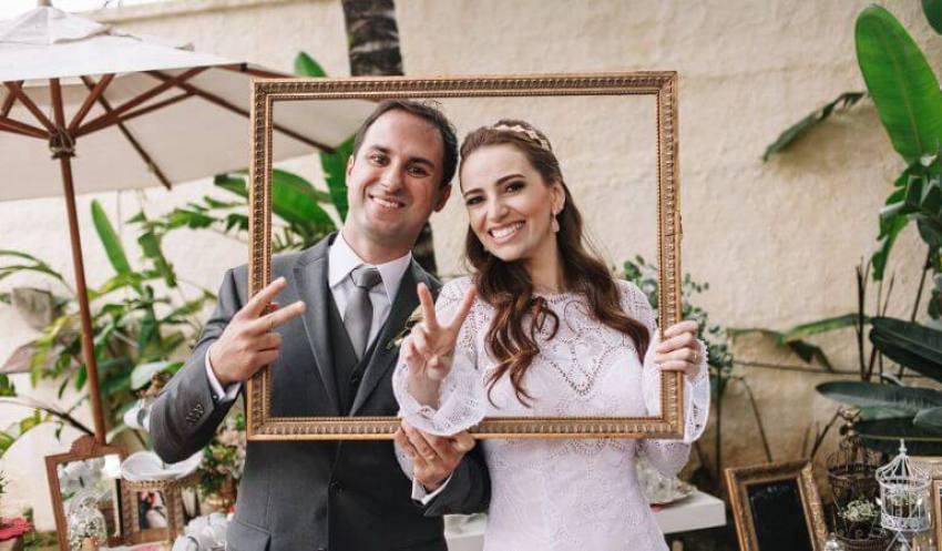 Noivos casamento moderno