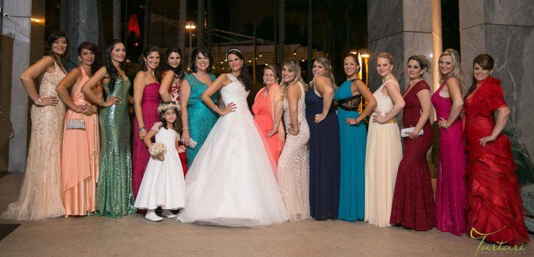 Madrinhas com cores e vestidos diferentes