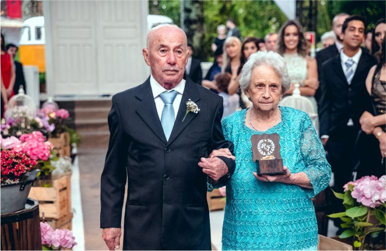 Entrada das Alianças - Avós dos noivos