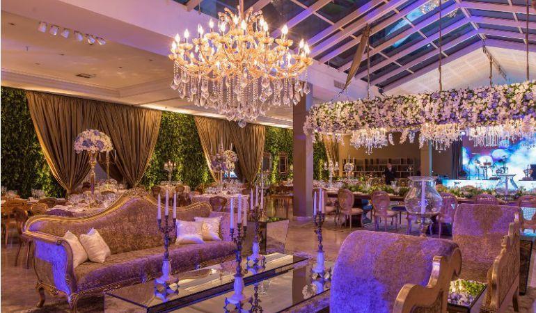 Decoração do casamento romântico e luxuoso
