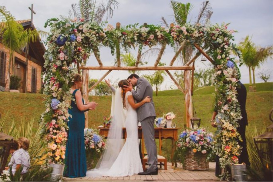 Casamento no Campo Colorido