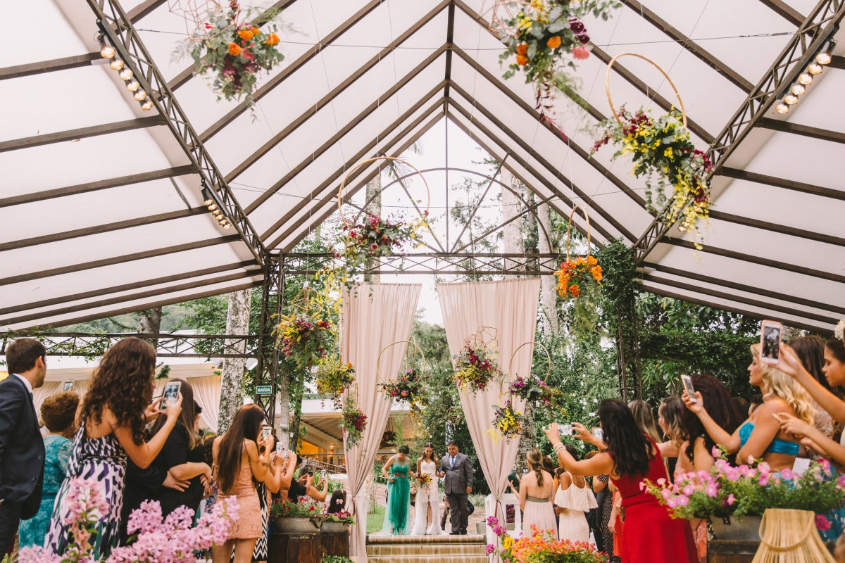 Decoração de cerimônia de casamento com arcos | Foto: William Nihues Willian Barbosa