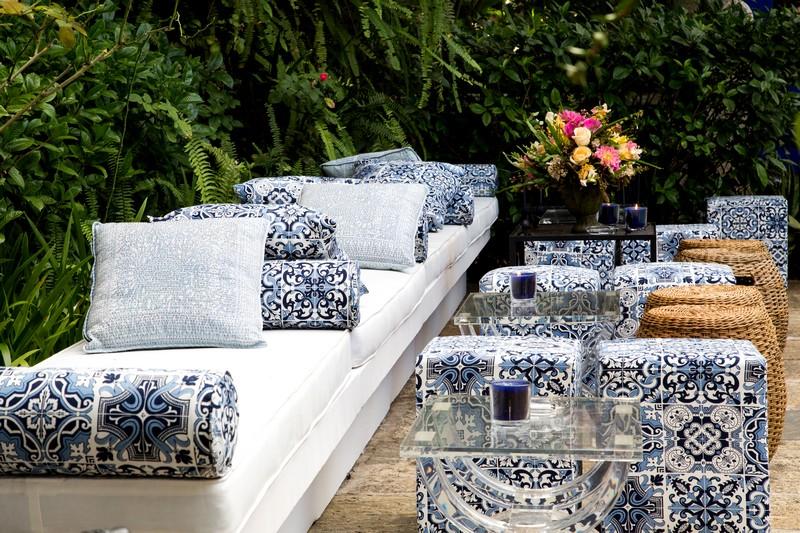Decoração para casamento com azulejo português